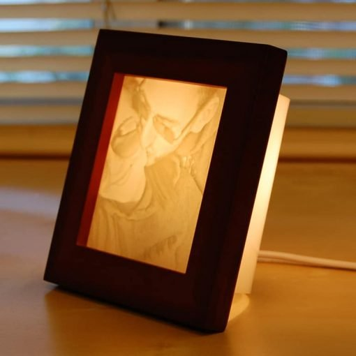 Romantic carved photo lamp