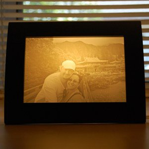 Photo of couple traveling personalized gift lamp